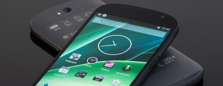 Yotaphone 2 impresiona con sus dos pantallas